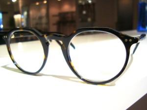 クラウンパントは王冠型のメガネ~Lunor A5 237~